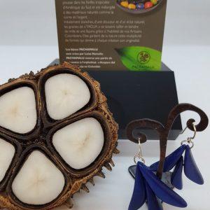 Boucles d'oreilles PACHAMALU en Tagua bleu electrique