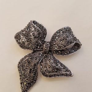 Broche NOEUD strass