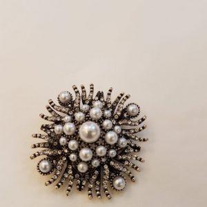 Broche strass et perles