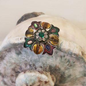 Broche métal argenté émaillée et cristal